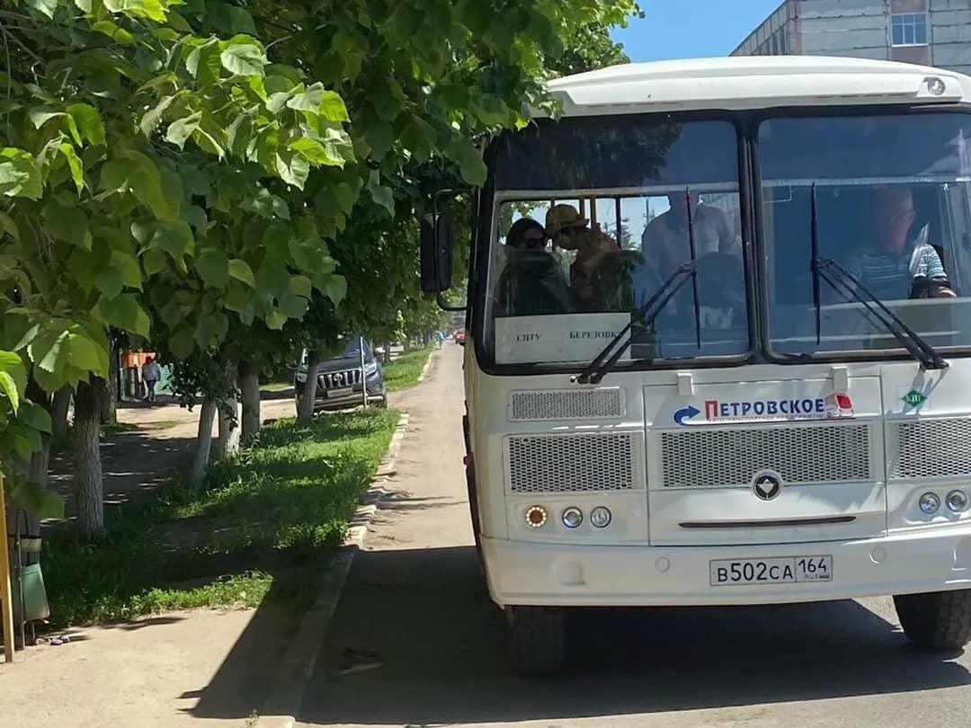 Сегодня на городские маршруты общественного транспорта вышли 10 новых автобусов Петровского автотранспортного предприятия