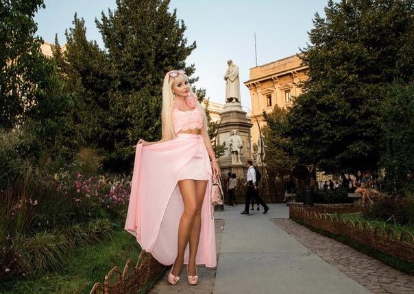 Русская Барби, Таня Тузова, посетила неделю моды в Милане.