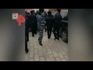 Митингующие сломали ворота старейшей в России мечети