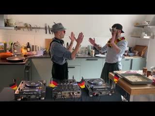 Angy Kore & Gabriel Padrevita - How To Kill Your Boring Coronavirus Quarantine  Techno Schnitzel