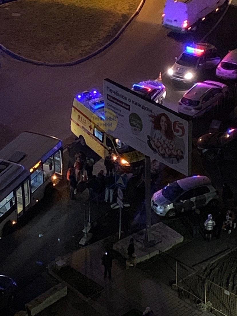 Опять автобусы пешеходов сбивают   Автобус 19-го маршрута