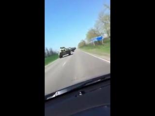 Передвижение огромной колонны российских войск близ украинской границы