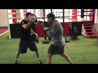 Владимир Соловьев провел тренировку по боксу NR