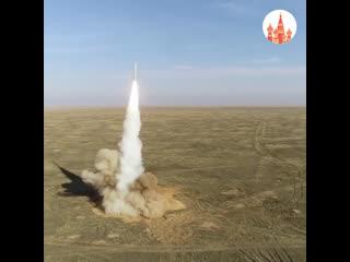 Запуск ракет на учениях Гром-2019