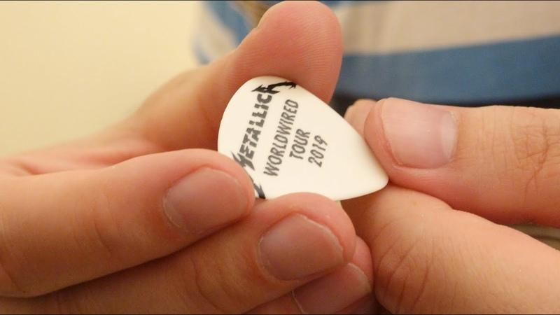 Прилетело Фанату Медиатор от Джеймса Хэтфилда Metallica Москва лето 2019 разговор после концерта