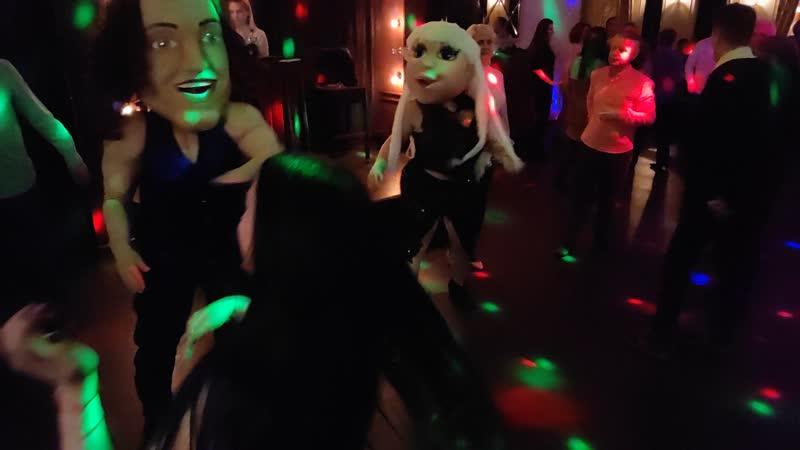 8 марта! Танцы с ростовыми куклами в ресторане Вкус граната, г. Калуга