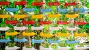 Amazing Vertical Hanging Garden from Recycled Old Plastic Bottles