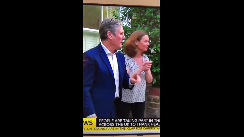 AWKWARD !! Keir Starmer asks if they're finished filming as he's caught pretending to participate in the clap for the NHS