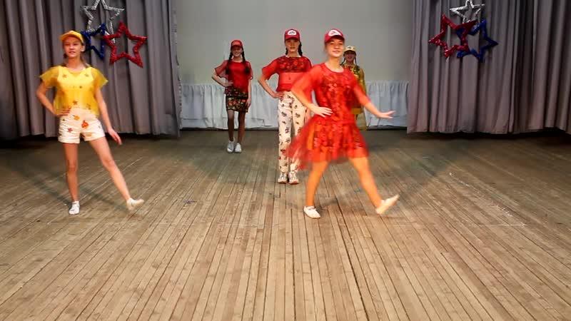 Театр моды «Меланж» - Коллекция костюмов «Золотая Хохлома»