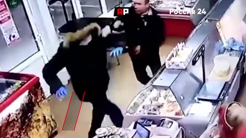 В Волгограде грабитель попытался ограбить один и тот же магазин два раза но если в первый у него все получилось то во второй