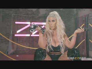 Bridgette B, Gina Valentina, Karma Rx, Lela Star and Nicolette Shea HUgE Tits ᶜᶫᵘᵇ