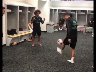 "Марсело учит магии вратарей ""Реала"""