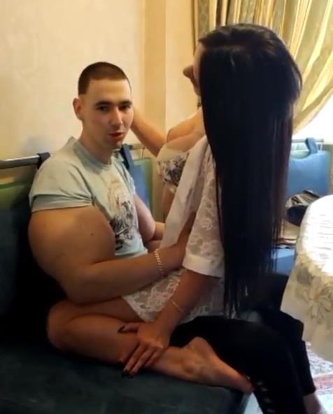 Руки-Базуки завел себе девушку.