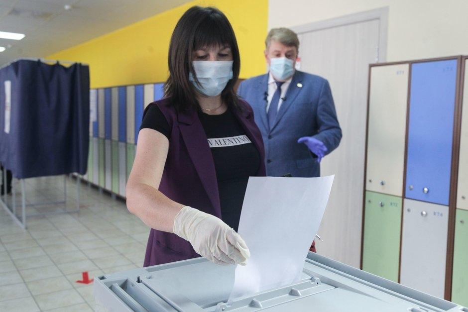 Первые итоги голосования по поправкам в Конституцию РФ в Волжске