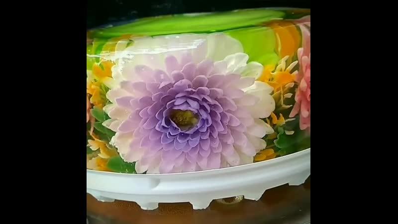 Красивый тортик из желе.