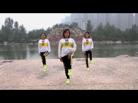 鬼步舞入门教学第一课《奔跑》,简单2步,这些要领要牢记!