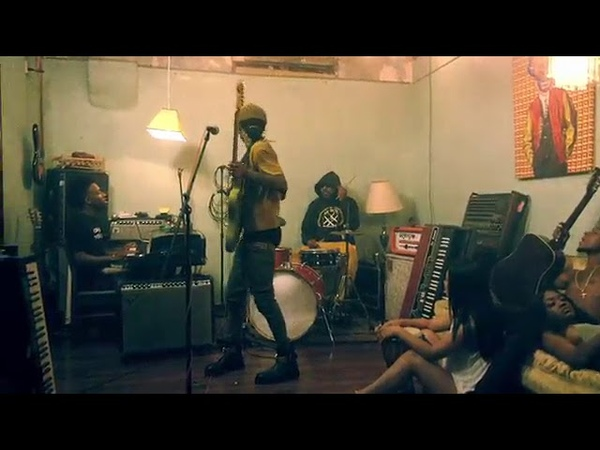 Rae Sremmurd ft Gucci Mane Black Beatles Official Music Video