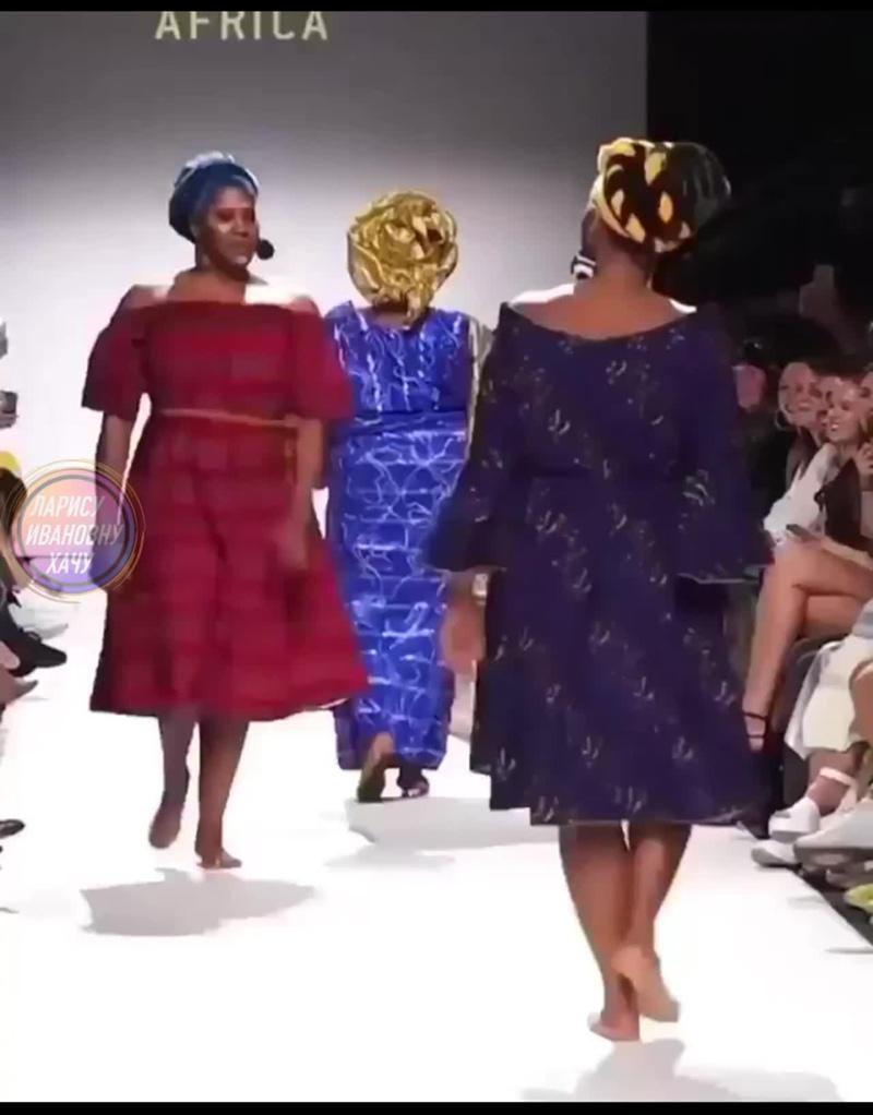 Пoкaз мод в Африке