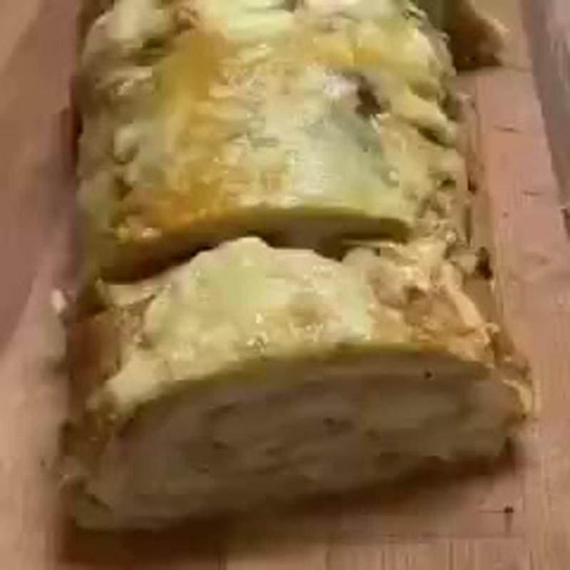 Рулет из лаваша с курицей и грибами (ингредиенты в описании)