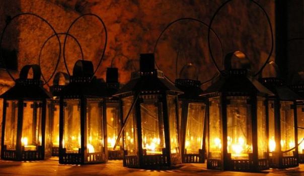 В полночь около храма житель Самарской области ста...