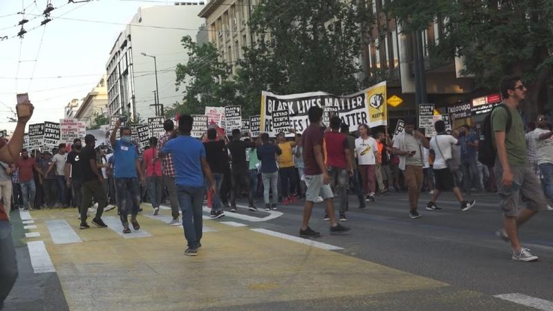 Παράσταση διαμαρτυρίας προσφύγων στο Σύνταγμα