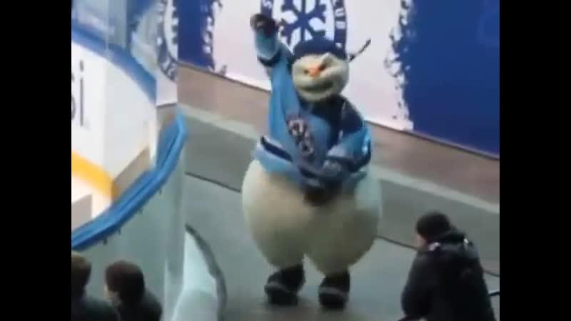 Толстожопый снеговик