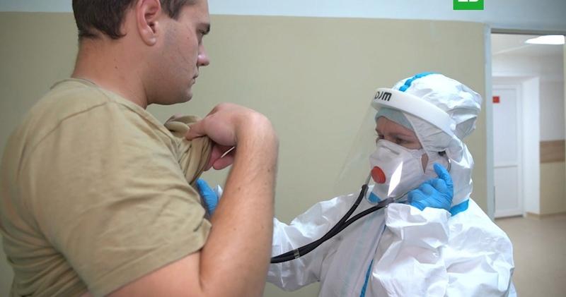 Вакцинированных от коронавируса добровольцев выпишут в июле