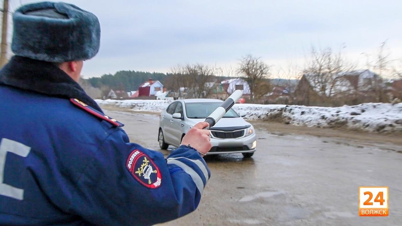 В Марий Эл пьяный водитель предложил полицейскому 300 рублей
