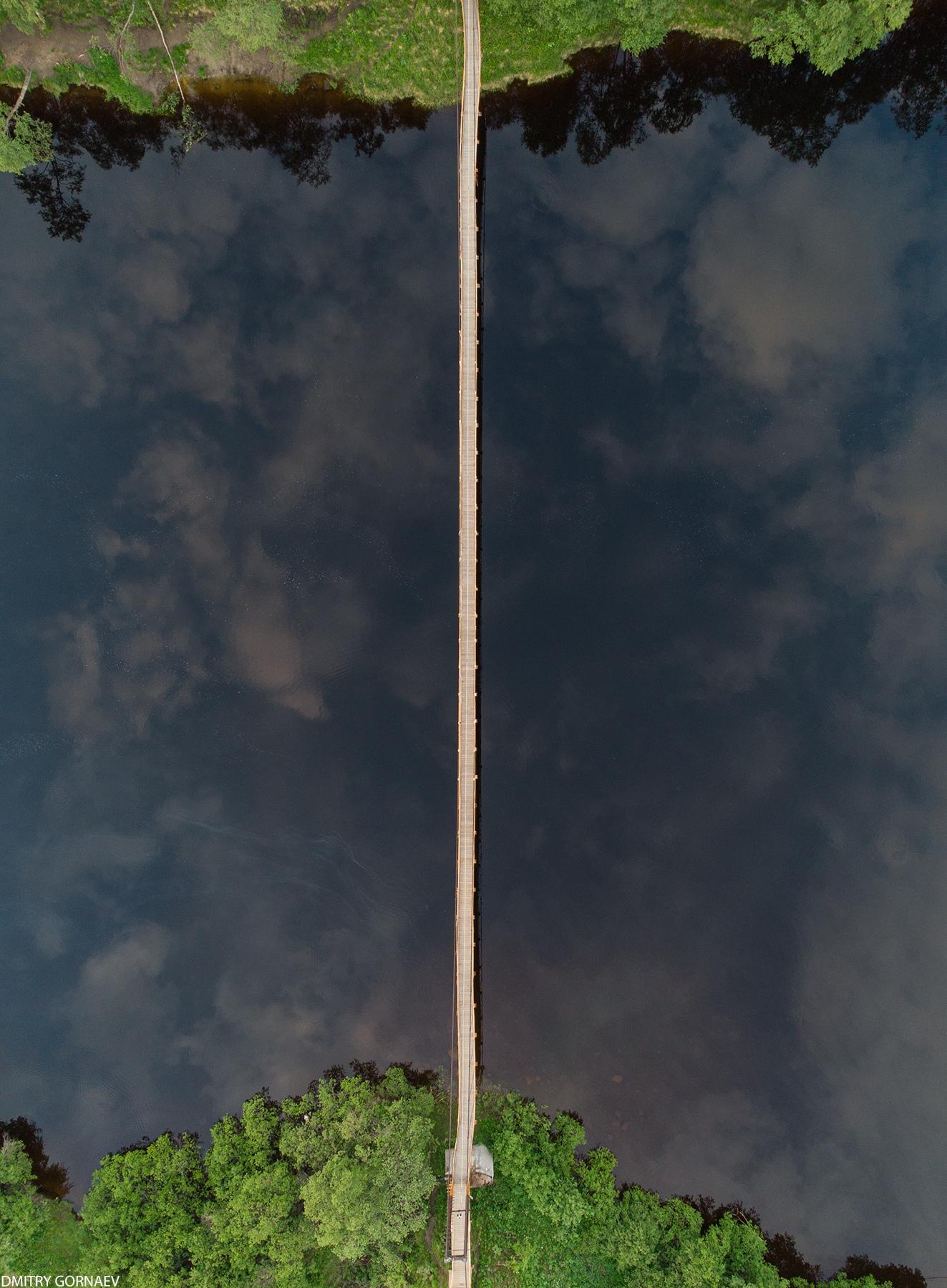 Мост в поселке Молочный, Мурманская область - Фото