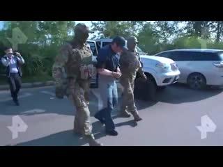 Видео задержания подозреваемого в педофилии красноярского имама