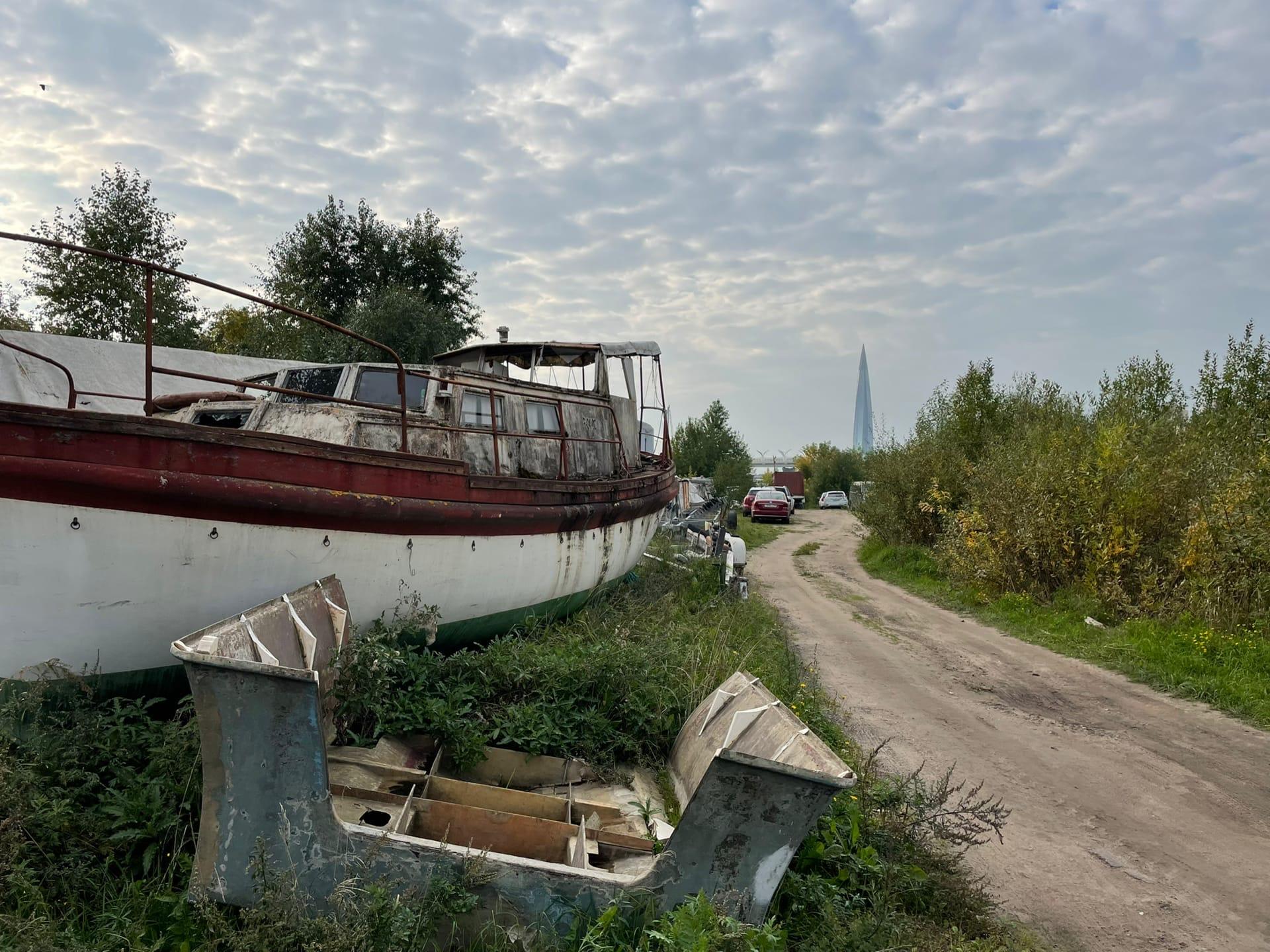 Обратная сторона Крестовского острова - Фото